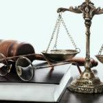Взыскание судебных издержек в виде расходов на представителя. Риски юристов или нарушение прав клиента?